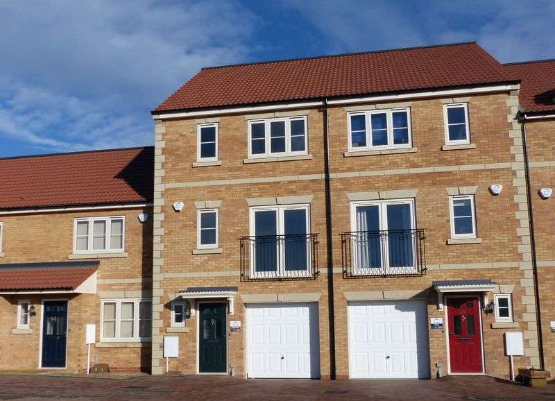 4 Bedrooms Terraced House for sale in IONA - Minster Fields, Lincoln
