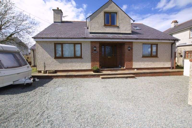 4 Bedrooms Detached Bungalow for sale in Amlwch, Anglesey