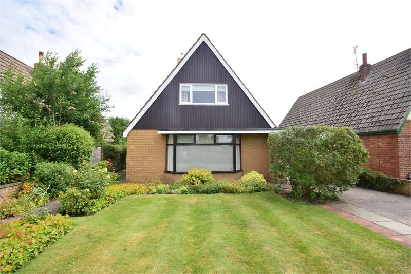 3 Bedrooms Detached Bungalow for sale in Edwinstowe Road, LYTHAM ST ANNES, FY8