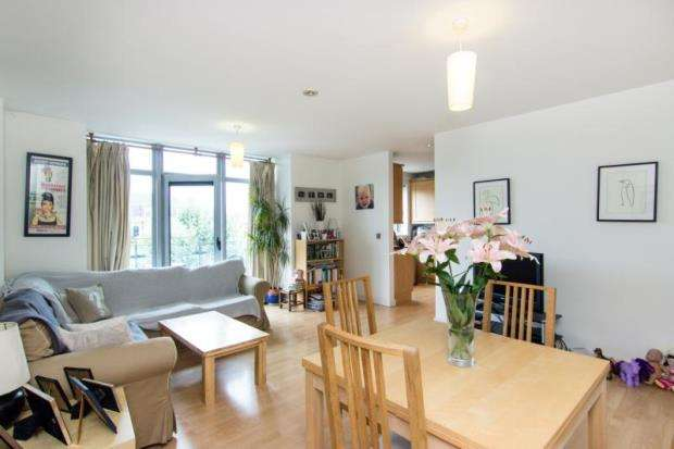 2 Bedrooms Apartment Flat for sale in Dwyer House, 2, Townmead Road, Wandsworth Bridge Road, London, SW6