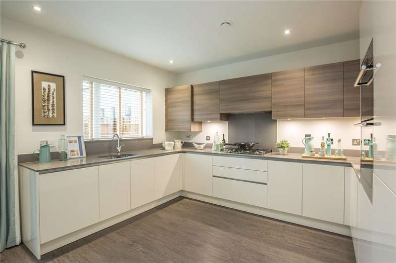 4 Bedrooms Semi Detached House for sale in The Rocky, Henry Darlot Drive, Mill Hill, London, NW7
