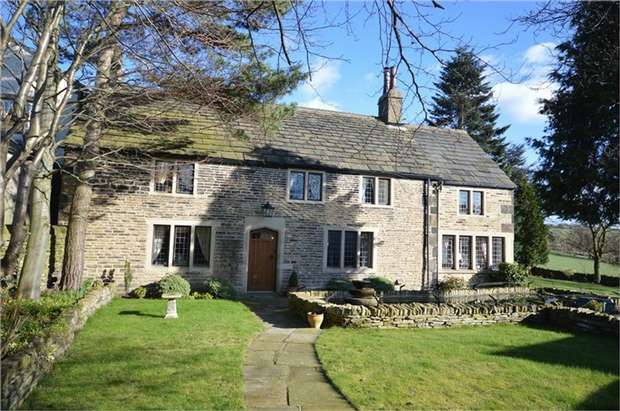 4 Bedrooms Detached House for sale in Maple Farm, Houses Hill, HUDDERSFIELD, West Yorkshire