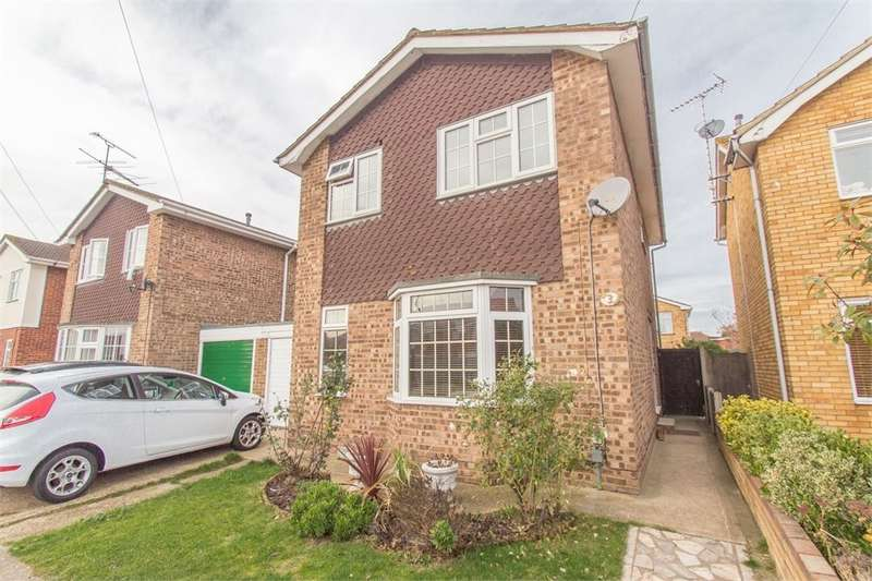 3 Bedrooms Link Detached House for sale in Greendyke, Canvey Island, SS8