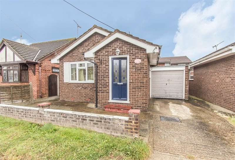 1 Bedroom Detached Bungalow for sale in Landsburg Road, Canvey Island, SS8