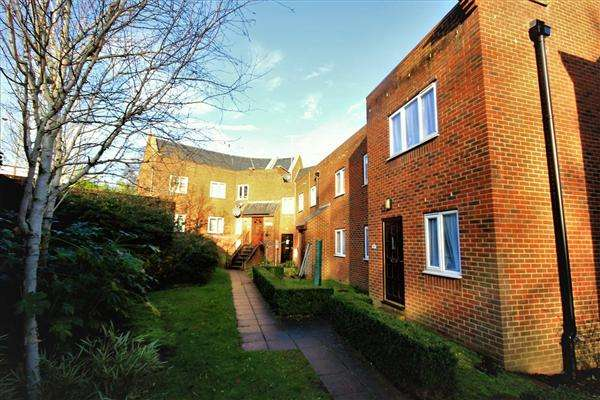 2 Bedrooms Apartment Flat for sale in Bethany Court, Bloxworth Road,, Poole