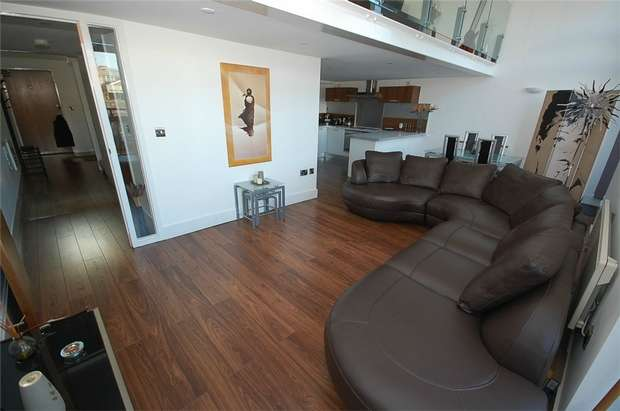 2 Bedrooms Flat for rent in Vicus, 73 Liverpool Road, MANCHESTER