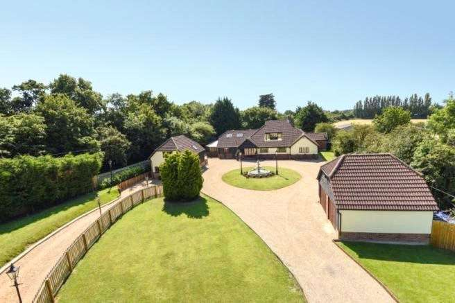 6 Bedrooms Detached House for sale in Epping Road, Broadley Common, Nazeing, Essex, EN9