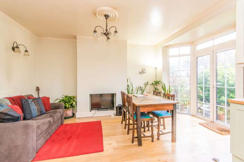 3 Bedrooms House for sale in Friern Park, North Finchley, N12