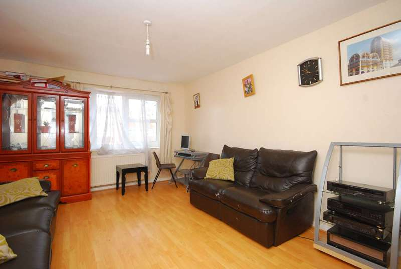 3 Bedrooms House for sale in Cowper Road, Stoke Newington, N16