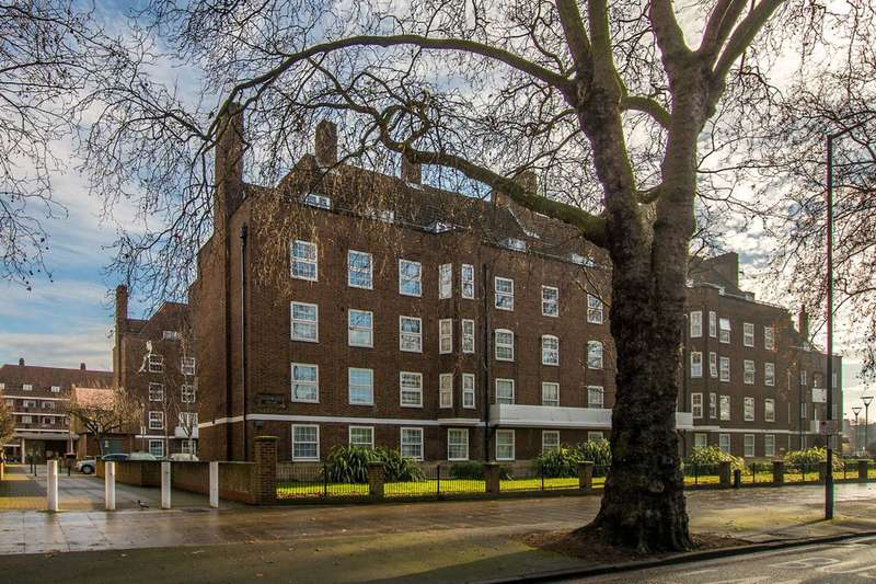 4 Bedrooms Flat for sale in Stamford Hill, Stamford Hill, N16