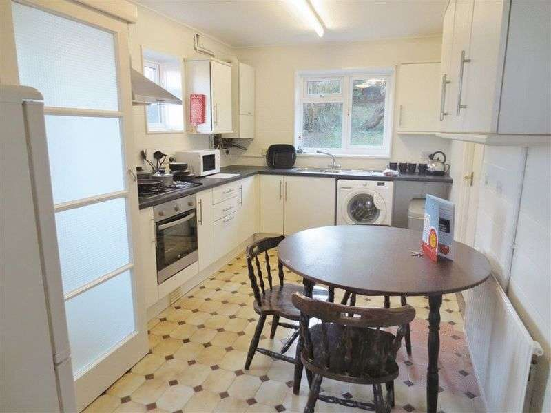 5 Bedrooms Terraced House for rent in Staplefield Drive, Brighton