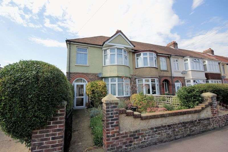 3 Bedrooms Terraced House for sale in Selsey Avenue, Gosport
