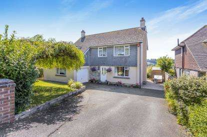 4 Bedrooms Detached House for sale in Plympton, Plymouth, Devon
