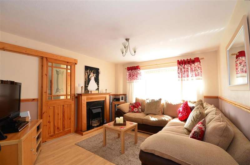 3 Bedrooms Terraced House for sale in Jubilee Field, Wittersham, Tenterden, Kent