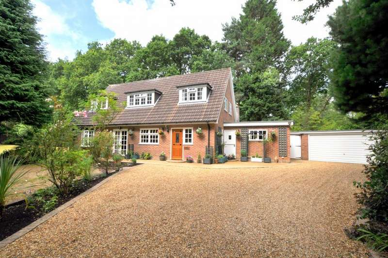4 Bedrooms Detached House for sale in Avon Castle, Ringwood, BH24 2DQ