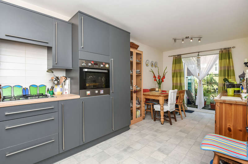 3 Bedrooms Terraced House for sale in Domville Close, Whetstone, N20