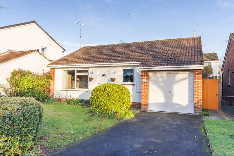 3 Bedrooms Detached Bungalow for sale in Ringwood, Hampshire