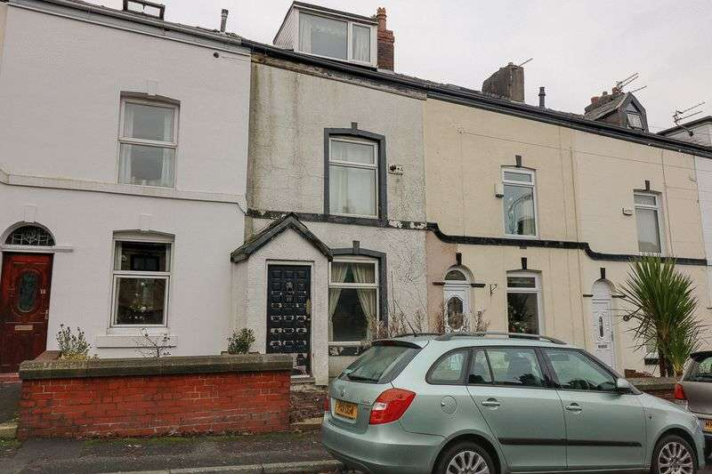 3 Bedrooms Terraced House for sale in Hough Lane, Bolton