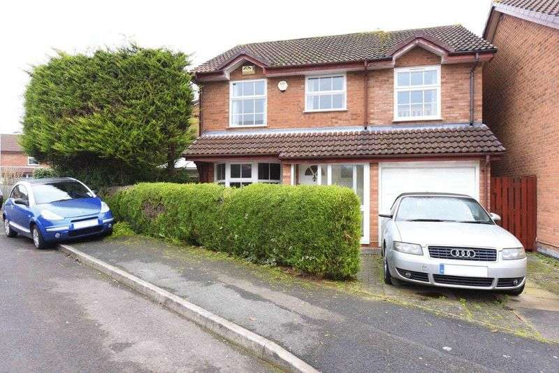 4 Bedrooms Detached House for sale in Fernhurst Road, Calcot
