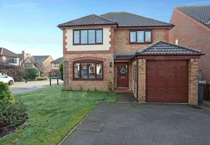 4 Bedrooms Detached House for sale in Pipit Meadow, Uckfield, East Sussex
