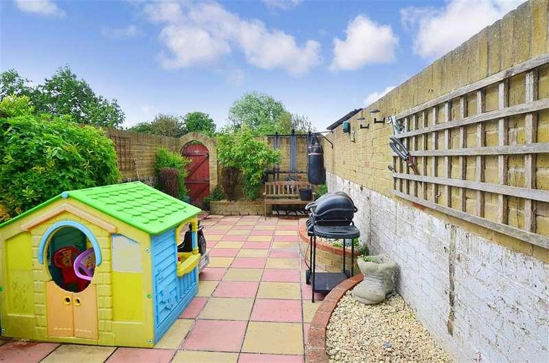 2 Bedrooms Terraced House for sale in Shottendane Road, Margate, Kent