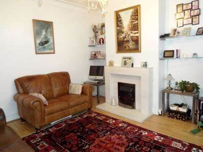 4 Bedrooms End Of Terrace House for sale in Bexhill Road, Bounds Green, London