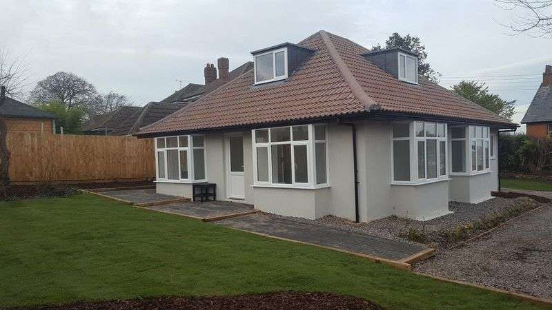 3 Bedrooms Detached Bungalow for sale in Tower Hill Road, Crewkerne