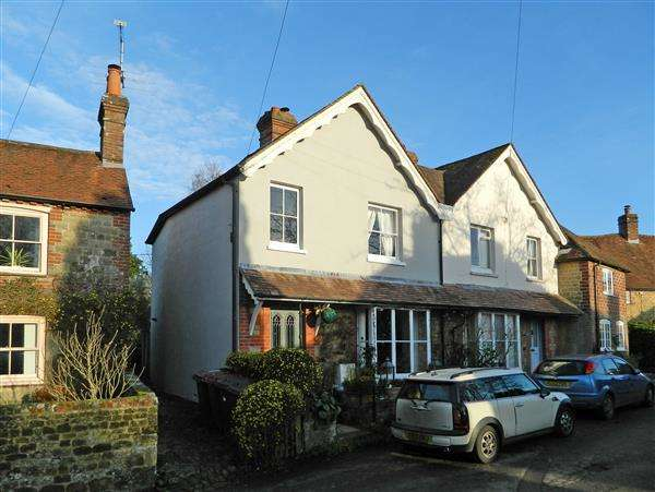3 Bedrooms House for sale in Queen Street, Stedham, West Sussex, GU29