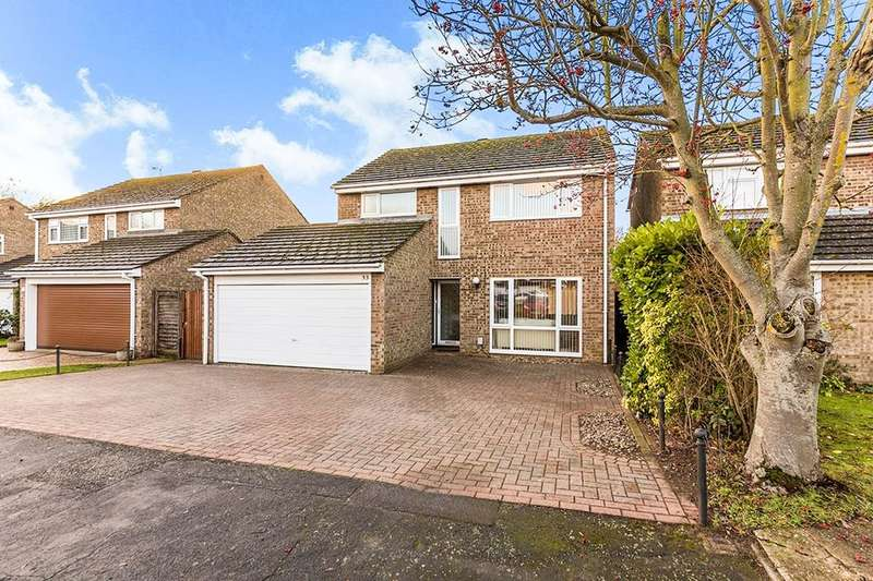 4 Bedrooms Detached House for sale in Angotts Mead, Stevenage, SG1