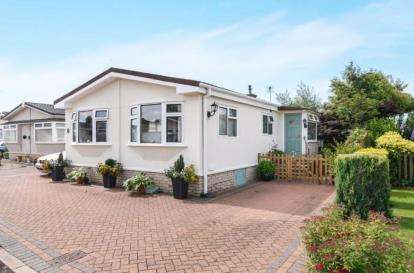 2 Bedrooms Bungalow for sale in Snowshill View, Broadway, Worcestershire