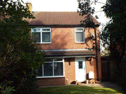 House for sale in Queens Drive, Swindon, Wiltshire
