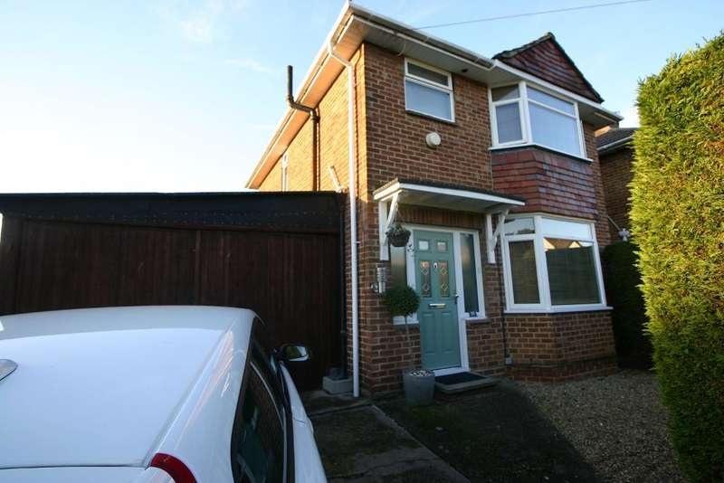 3 Bedrooms House for sale in Knighton Road, Itchen, Southampton, SO19 2FP