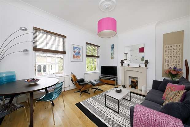 2 Bedrooms Maisonette Flat for sale in Barry Road, East Dulwich