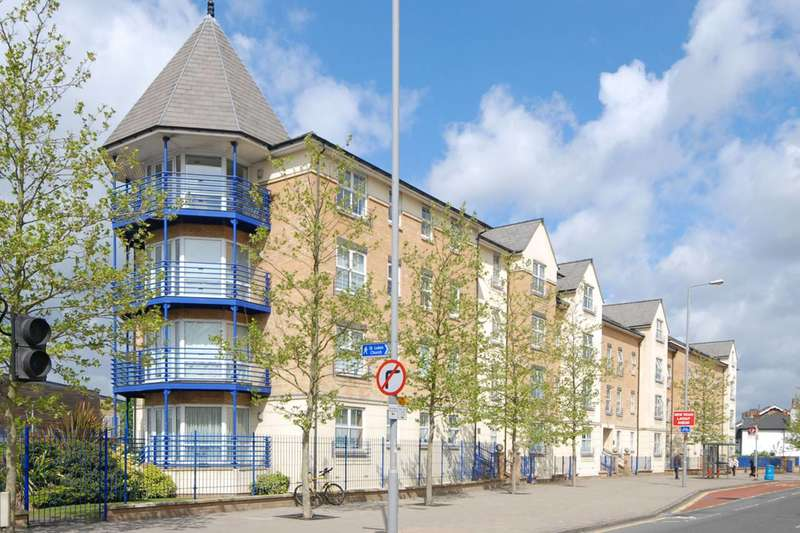 2 Bedrooms Flat for sale in Richmond Road, Kingston, KT2