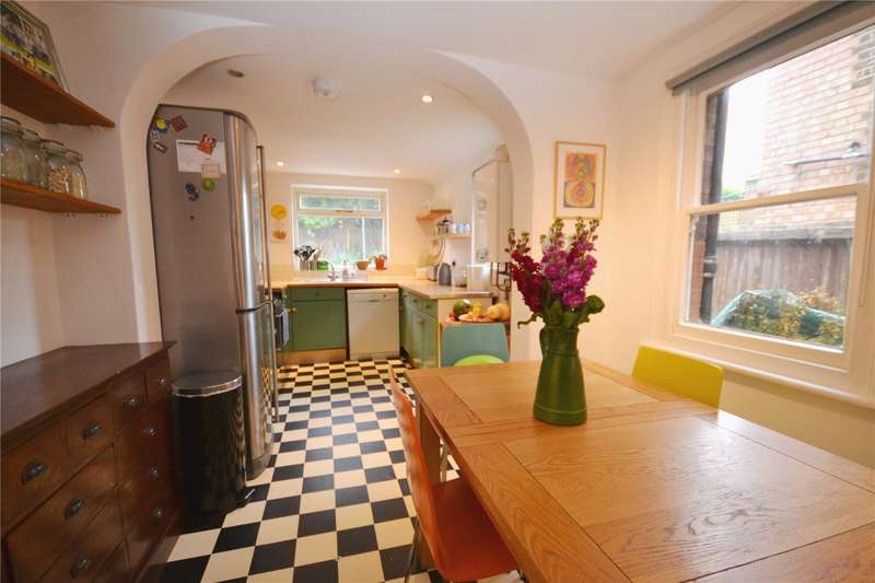 3 Bedrooms House for sale in Brackenbury Road, East Finchley, London, N2