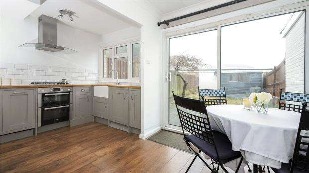 3 Bedrooms Terraced House for sale in Francis Chichester Close, Ascot, Berkshire