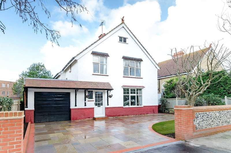 4 Bedrooms Detached House for sale in West Avenue, Worthing, West Sussex, BN11