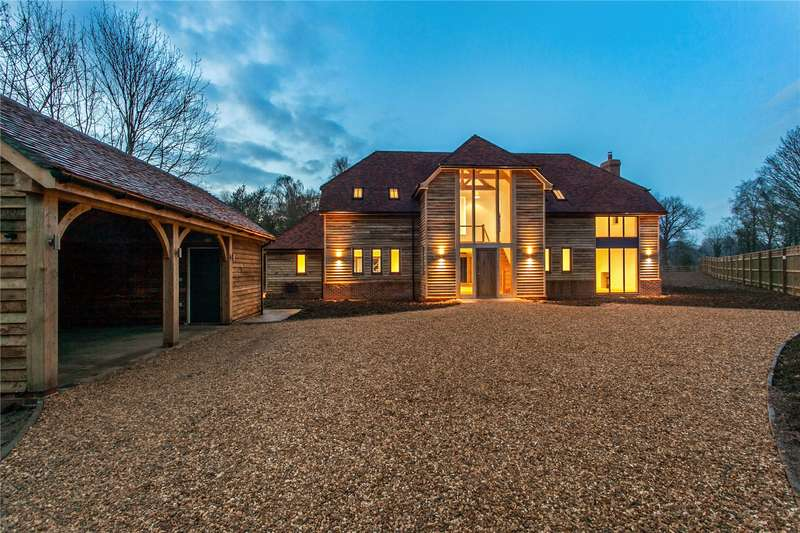 4 Bedrooms Detached House for sale in Highbridge Road, Brambridge, Hampshire, SO50