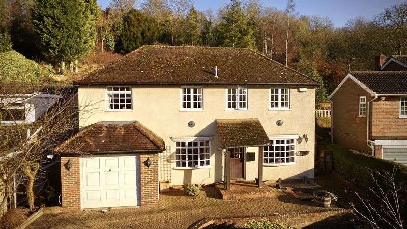 5 Bedrooms Detached House for sale in Bryants Bottom, Great Missenden