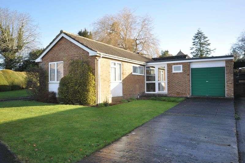 3 Bedrooms Detached Bungalow for sale in Ragleth Grove, Trowbridge