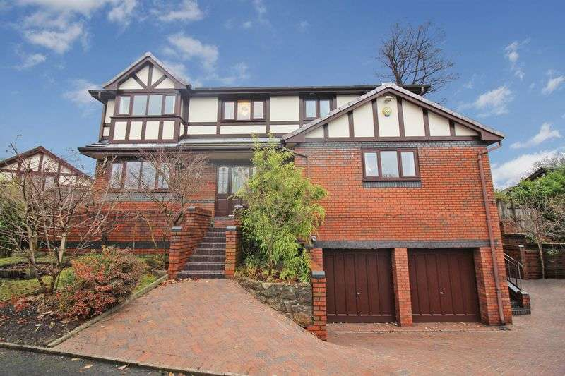 5 Bedrooms Detached House for sale in Bridgefield Drive, Bury, BL9