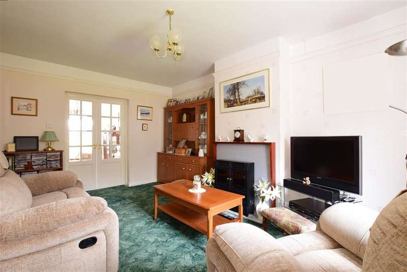 3 Bedrooms Semi Detached House for sale in Station Road, Southwater, Horsham, West Sussex