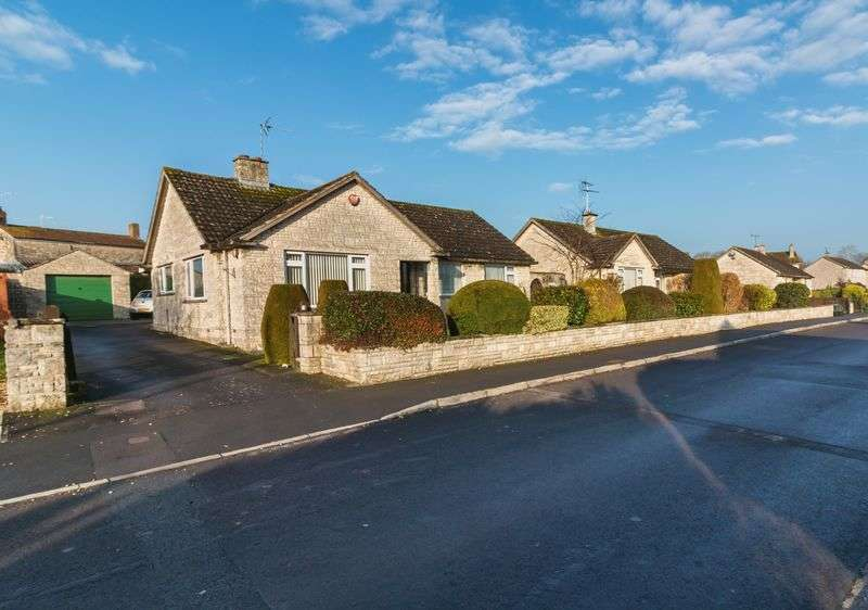 3 Bedrooms Detached Bungalow for sale in Huish Episcopi, Langport