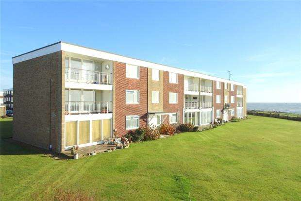 2 Bedrooms Apartment Flat for sale in Beaufort Court, Millfield Close, Rustington, West Sussex, BN16