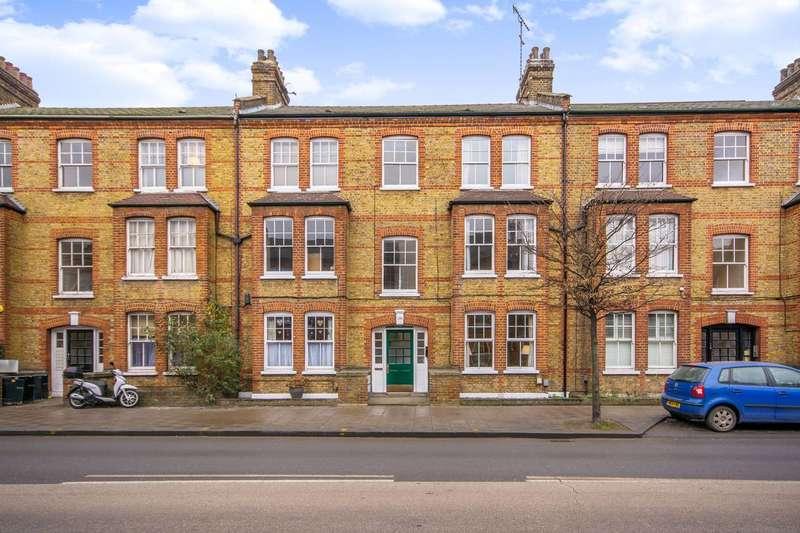 2 Bedrooms Flat for sale in Queenstown Road, Battersea, SW8