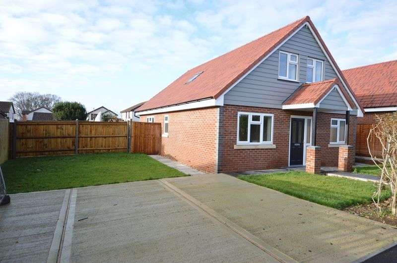 4 Bedrooms Detached House for sale in St. Anns Road, Waterlooville
