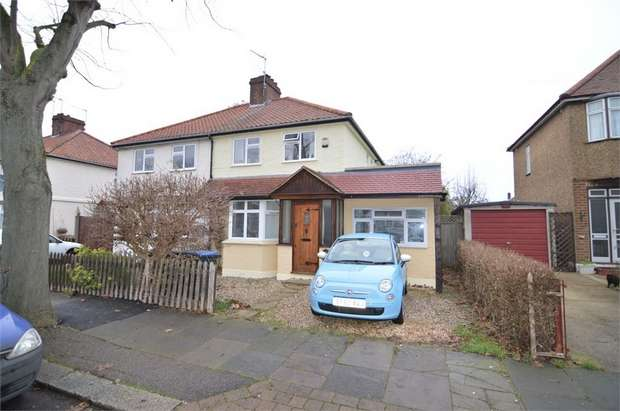 3 Bedrooms Semi Detached House for sale in Chestnut Road, Enfield, Greater London