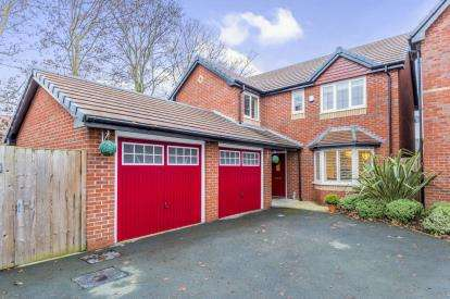 4 Bedrooms Detached House for sale in Hornbeam Close, Crewe, Cheshire