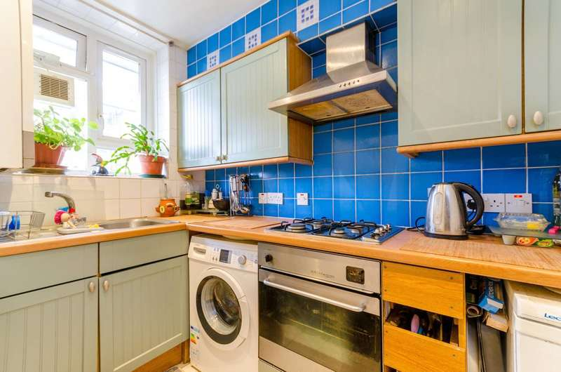3 Bedrooms Flat for sale in Robert Owen House, Fulham, SW6