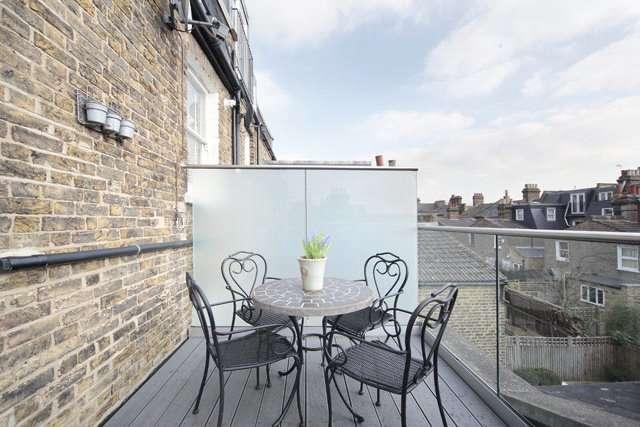 2 Bedrooms Flat for sale in Shelgate Road, Battersea, London, SW11